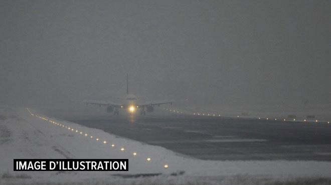 Russie: un avion d'Aeroflot que voulait détourner un passager ivre atterrit en urgence en Sibérie