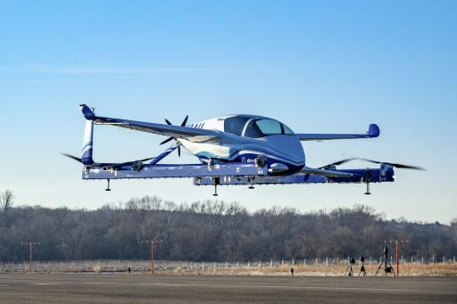 Premier essai en vol de la voiture volante de Boeing