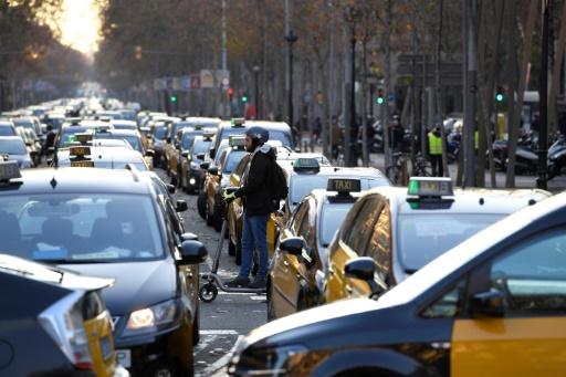 Espagne: fin de la grève des taxis à Barcelone