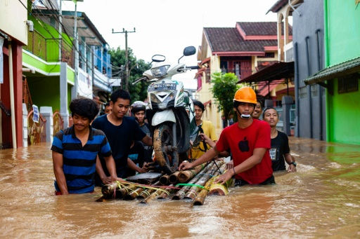 Indonésie: le bilan des inondations et glissements de terrain porté à 30 morts