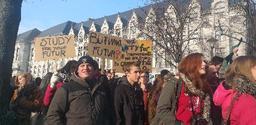 Jeudis pour le climat: les étudiants manifestent devant l'hôtel de Ville de Liège