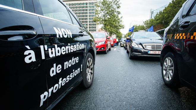 Uber peut continuer à opérer à Bruxelles: la fédération belge des taxis conteste