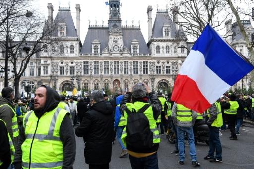 À Paris, un grand débat de 12 heures, en forme de marathon