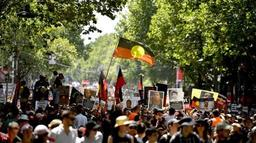 Australie: des milliers de personnes dans les rues pour le