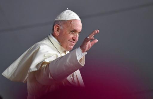 Le pape met les jeunes en garde contre le monde virtuel d'internet