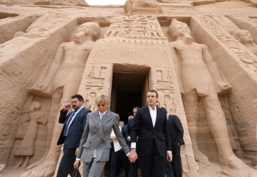 Le président français entame une visite en Egypte à Abou Simbel