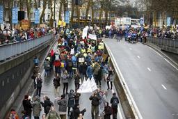 Marche pour le climat: aucun incident hormis un blocage des gilets jaunes à hauteur de l'ambassade américaine