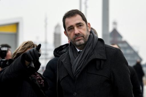 Castaner veut que la justice poursuive Eric Drouet appelant à un