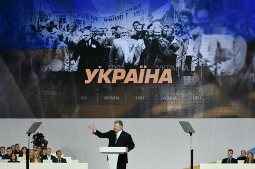 Ukraine: le président Porochenko lance une difficile course à la réélection