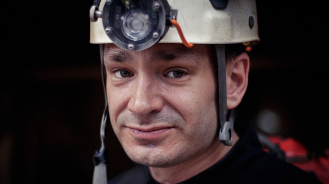 Un Belge dans le premier film sur le sauvetage des enfants prisonniers dans une grotte en Thaïlande