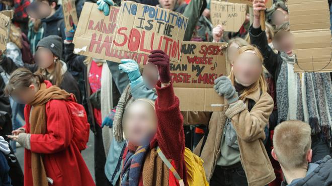 Un pervers interpellé en flagrant délit à la manifestation pour le climat: il filmait des jeunes filles