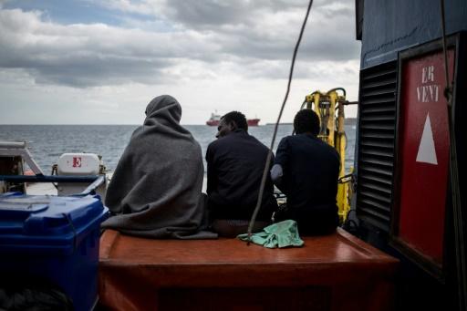 Italie: le navire Sea-Watch bloqué en Sicile par les gardes-côtes