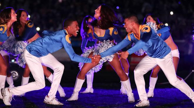 Révolution au Super Bowl: deux hommes font partie des cheerleaders pour la première fois