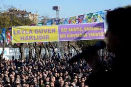 Des milliers de manifestants en soutien aux grévistes de la faim