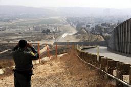 Le Pentagone démultiplie les déploiements à la frontière USA-Mexique