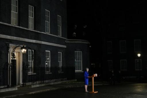 Nissan dénonce le flou du Brexit, Theresa May reste