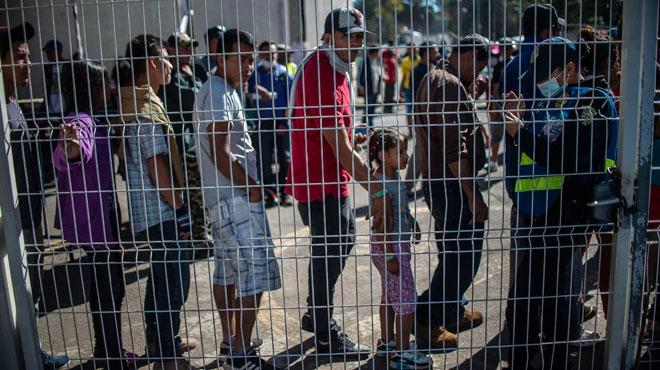 Plus de soldats à la frontière avec le Mexique: Trump renforce la lutte contre l'immigration clandestine