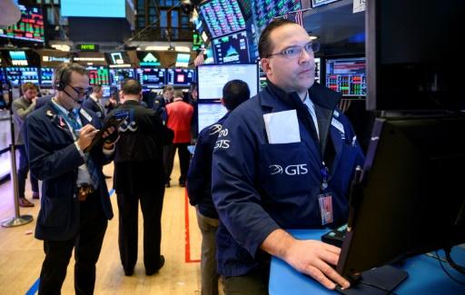 Wall Street débute tranquillement la semaine avant Google
