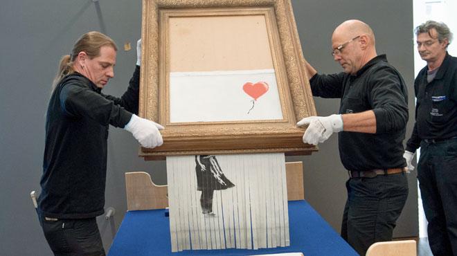 L'oeuvre de Banksy qui s'était autodétruite exposée au grand public: