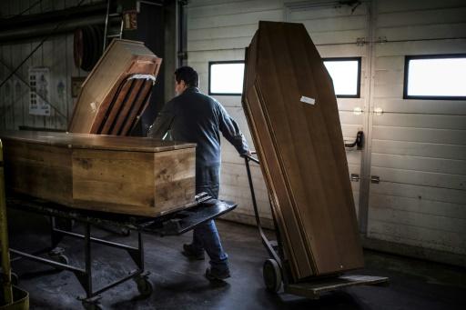Le secteur des services funéraires manque de transparence, estime la Cour des comptes