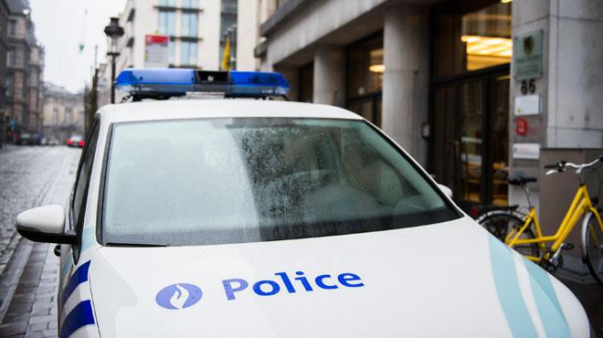 La police a bloqué l'accès au palais de justice de Bruxelles après la découverte d'une camionnette suspecte