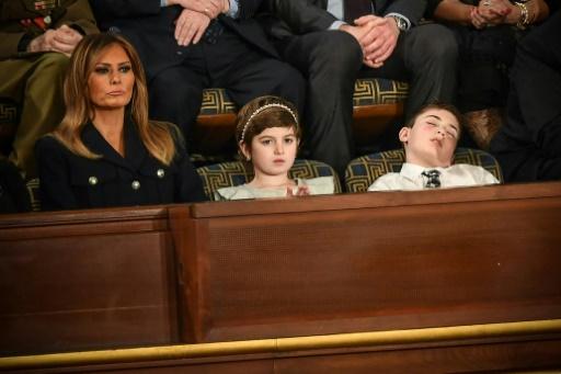 (Joshua) Trump s'endort pendant le discours du président et devient symbole de la