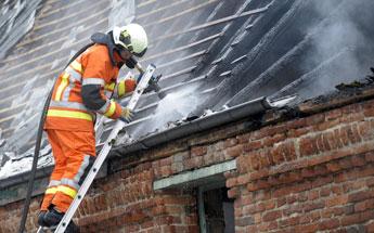 Une habitation s'embrase à cause d'un incendie de cheminée à Gembloux