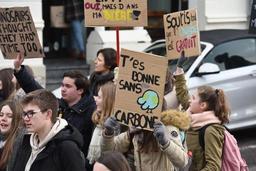 Quelque 2.000 participants à la marche pour le climat d'Arlon
