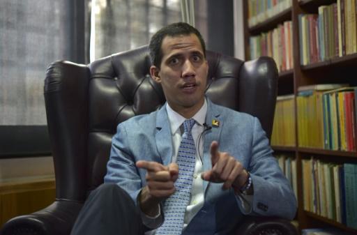 Venezuela: Guaido n'exclut pas d'autoriser une intervention militaire des USA si nécessaire