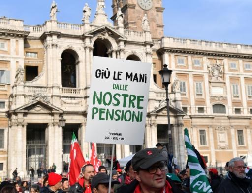 Italie: manifestation syndicale unitaire massive contre le gouvernement
