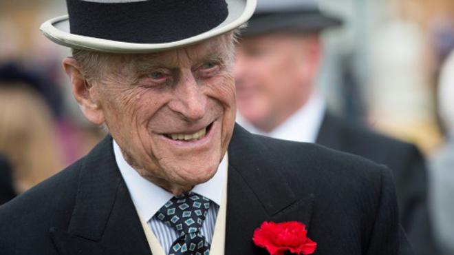 Après la polémique, le prince Philip renonce à son permis de conduire à 97 ans