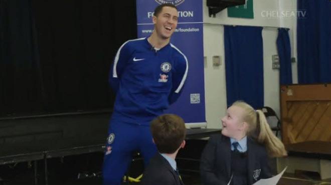 Quand Eden Hazard fait une surprise à des enfants d'une école primaire (vidéo)