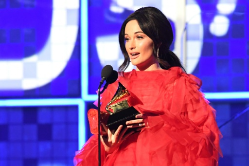 Grammy Awards : Lady Gaga et Drake récompensés, Michelle Obama en invitée surprise