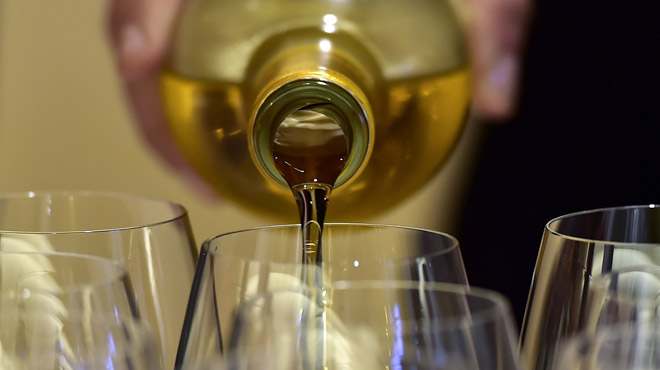 La relation ambigüe du Belge avec l'alcool: plus d'un sur 2 avoue avoir déjà pris le volant sous influence, mais la très grande majorité réprouve