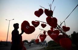 Action mariage rose le jour de la Saint-Valentin pour le respect des droits des amoureux