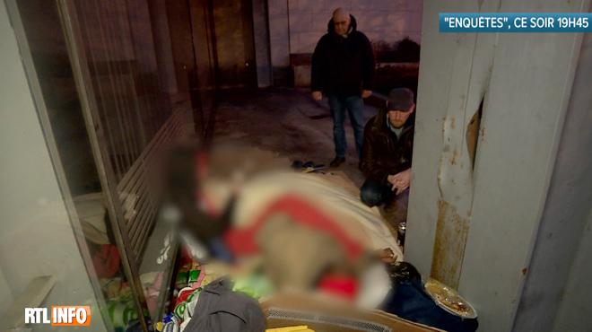 Des policiers vont à la rencontre de sans-abri à Bruxelles: