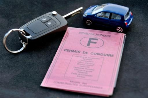 Conduire à 17 ans, passer le permis durant le SNU: des pistes pour un permis plus