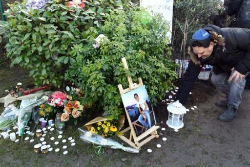 Cérémonie d'hommage à Ilan Halimi sur un lieu à sa mémoire récemment profané