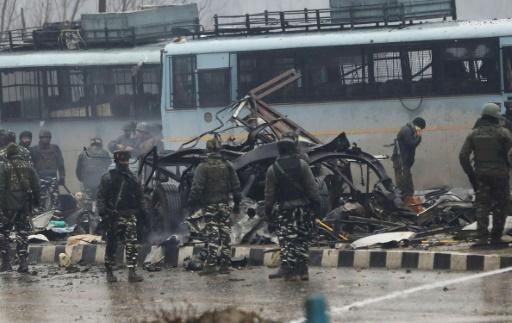 Cachemire indien: 37 paramilitaires indiens tués dans un attentat