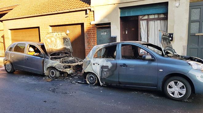 Charleroi: un incendie détruit deux véhicules en pleine nuit (photos)