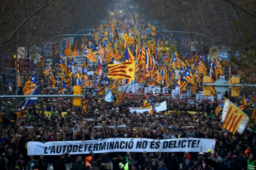 200.000 manifestants à Barcelone contre le procès des indépendantistes (police)