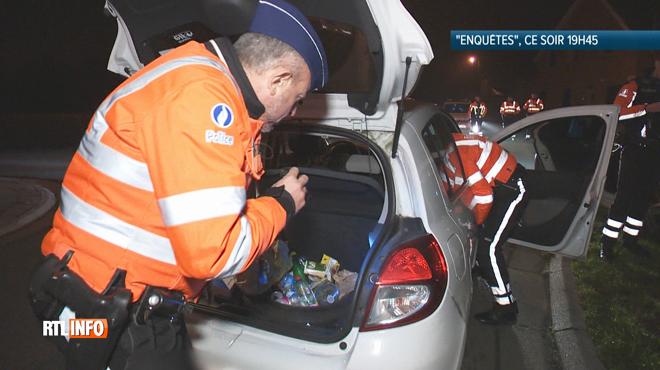 Quand un policier ouvre le coffre d'une voiture lors d'un contrôle: