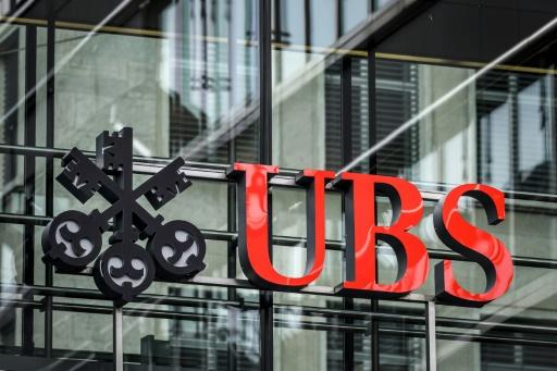 Fraude fiscale: le géant bancaire suisse UBS condamné à une amende record de 3,7 milliards d'euros