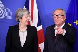 Brexit - Theresa May salue des