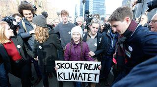 7.500 manifestants pour la 7e marche pour le climat à Bruxelles- la venue de Greta Thunberg provoque l'HYSTÉRIE dans le cortège (vidéos) 2