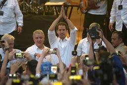 Crise au Venezuela - L'opposant Guaido défie Maduro en se rendant en Colombie