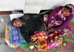 Inde: de l'alcool frelaté tue 93 personnes, au moins 200 hospitalisées