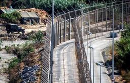 L'Espagne va augmenter la hauteur des clôtures frontalières à Ceuta