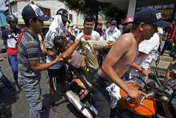 Crise au Venezuela - Deux blessés en Colombie par des lacrymogènes lancés depuis le Venezuela