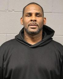 La caution du chanteur R. Kelly, accusé d'abus sexuels, fixée à 1 million de dollars
